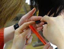 美容サロンで働きながら学ぶので、効果的で、経済的な負担も少ない