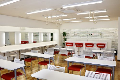 YIC京都のメイク実習室
