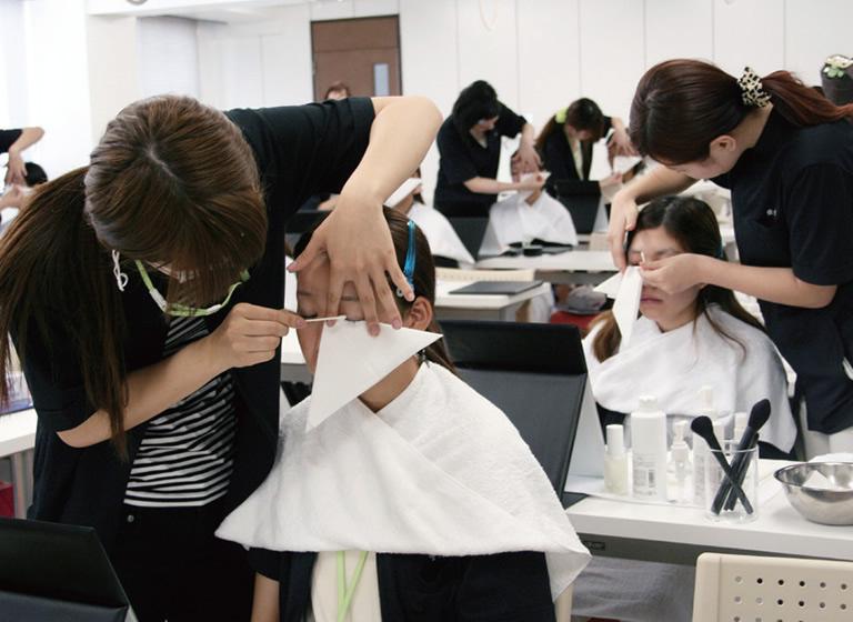 日本メイクアップ技術検定試験1級取得を目指す!1
