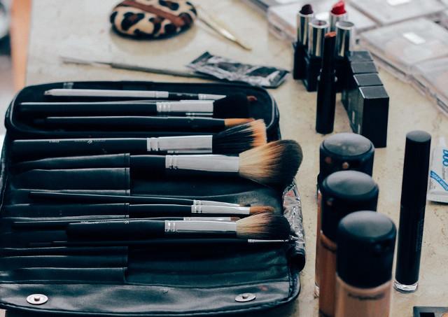 美容専門学校を関西で探しているなら「YIC京都」へのご入学をご検討ください~美容師・メイクアップアドバイザー・エステティシャン・ネイリストが目指せる美容の専門学校~