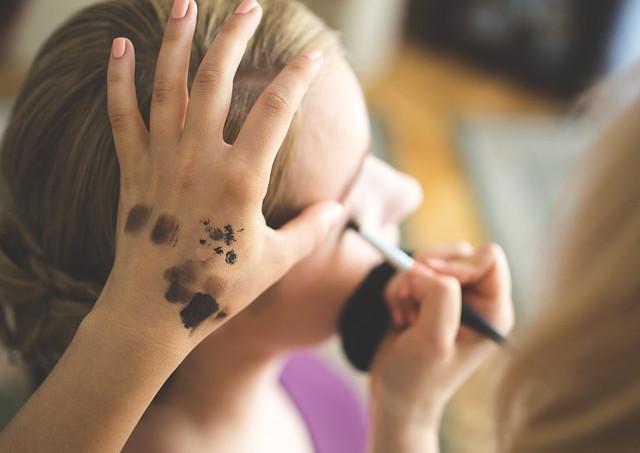 美容の専門学校でヘアデザイン・エステ・ネイル・ブライダルのプロを目指す!~専門的な知識・技術だけでなく美容の基礎もしっかりと学べる関西の専門学校「YIC京都」~
