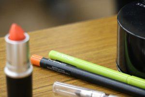 この新色のペンシルすっごくカワイイカラーですっ!