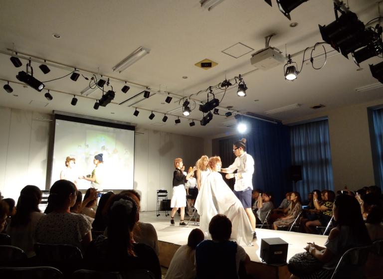 YIC京都ビューティの8F大ホール
