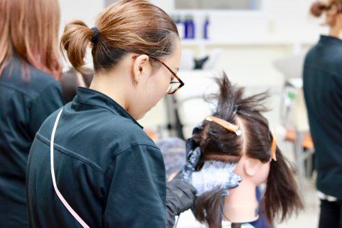 美容科 ヘアカラリスト検定講習会